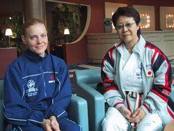Sempai Emma t v intervjuade Toshie Shihan i samband med Gojukais europeiska läger i Bern.