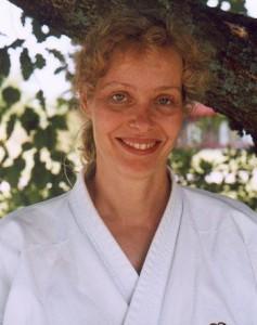 – Karate-do står för värderingar som sann respekt för andra människor och att ta sig tid med och bry sig om dem man möter, menar Sensei Uschi Karlsson, 4 dan.